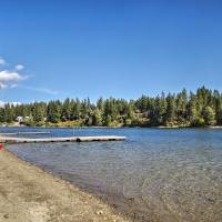 The Lake House in Rathdrum with Beach & Fire Pit