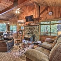 Secluded Stanardsville Cabin with 10 Acres and Hot Tub