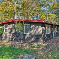 Catskill Mtn Home w/Deck, 1.2Mi to Zoom Flume, hotel in East Durham