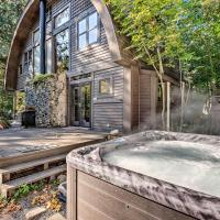 Riverfront Cabin with Hot Tub on the Skykomish River!
