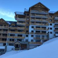 *NEW* Bellevue D'Oz Ski In Ski Out Luxury Apartment (8-10 Guests)