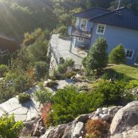 Beautiful villa with sea view, 10 min from Bergen center