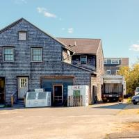 Miacomet Edge, hotel near Nantucket Memorial Airport - ACK, Nantucket