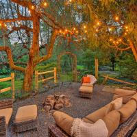 Camelback and Pocono Luxe Escape with Fire Pit & Hot Tub!