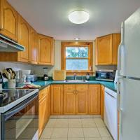 Picturesque Cottage with Sunroom on Ashmere Lake!, hotel in Hinsdale