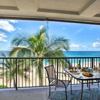 Updated Makaha Condo with Pool and Ocean-View Lanai!, hotel in Waianae