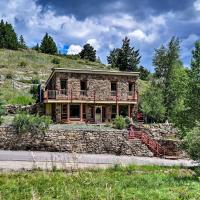 Cozy Home with Deck and Mountain Views, Walk to Casinos, hotel in Central City