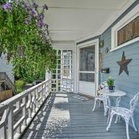 Quaint Beverly Townhome - Walk to Beach and Downtown!