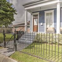 Chic New Orleans Duplex - Near Public Street Cars!