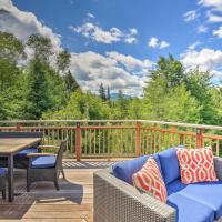 Pet-Friendly House with Deck - 10 Mi to Stowe Mtn!