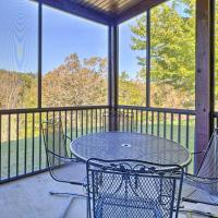 Resort-Style Villa and Porch 4Mi to Silver Dollar City, hotel in Branson West