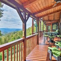 Cabin with BBQ & Games - Walk to Blue Ridge Parkway!, hotel in Balsam