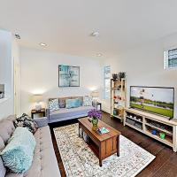 Chic Capitol Hill Townhome w/ Rooftop Deck & AC townhouse