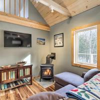Newly Built Cabin with Hot Tub - 16 Mi to Stowe Mtn!