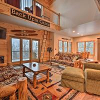 Rustic 3-Story Pittsburg Home with Top Amenities, hotel em Pittsburg