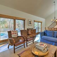 Classic East Hampton Home with Pool - Walk to Village, hotel in East Hampton