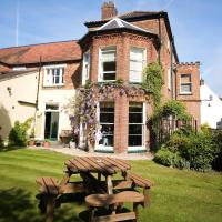 The Lawns Hotel, hotel in Holt