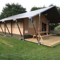 Glamping tent Romala, hotel in Kiel-Windeweer
