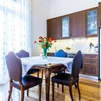 Neoclassical apartment with 3 bedrooms in Piraeus