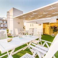 Neoclassical apartment with 2 bedrooms in Piraeus