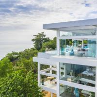 Villa Sasipimon - Panoramic Duplex Studio, hotel in Chaweng Noi Beach