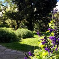 casa con gran jardin