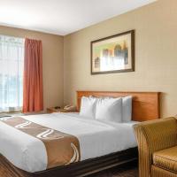Quality Inn & Suites, hotel em Cornwall