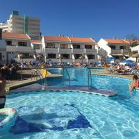 Studio Apartment with Heated Pool near sandy beach - Costa Adeje, hotel in Playa Fañabe