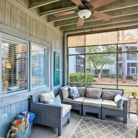 Charming Condo - 3 Miles to Cherry Grove Beach!, hotel in North Myrtle Beach