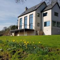 Wales Luxury River House
