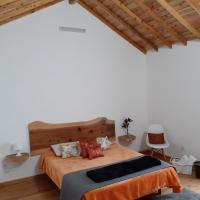 Basaltic Guest House Achadinha, hotel in Achadinha