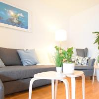 Large 6 Beds Flat Family friendly with private Parking