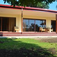 Villa Alessandra Homestay, hotel in Moalboal