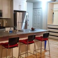 1-Bedroom Apartment Bellisimo AG by Amazing Property Rentals, hotel em Gatineau