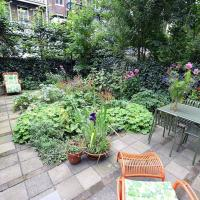 Apartment in city centre with a great garden