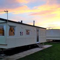 Bewles Caravan, hotel in Rhyl