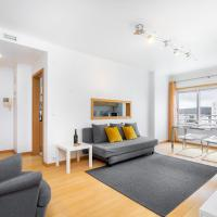 Lisboa, Cidade, Elegant Apartment with Parking, Free WIFI and Near Metro, by IG
