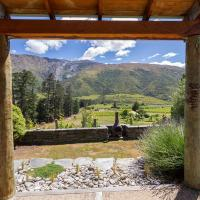 The Vines - Gibbston Valley Holiday Home, hotel in Gibbston