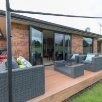 Modern Family Haven - Cromwell Holiday Home