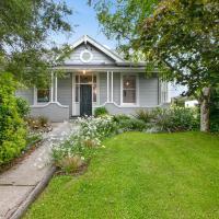 Maple Cottage - Dunedin Holiday Home