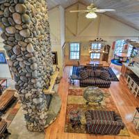 Rustic Northern House with Sauna by Traverse City!, hotel in Bellaire
