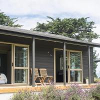 Mokomoko Cottage - Martinborough Holiday Home