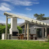 Mokomoko Lodge - Martinborough Holiday Home