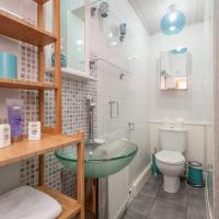 412 Lovely 2 bedroom apartment in Abbeyhill Colonies near Holyrood Park and Calton Hill