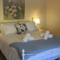 Ferncliff Cottage - The Beautiful Peak District, hotel in Glossop