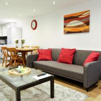 STYLISH 2 BEDROOM APARTMENT IN THE HEART OF GREENWICH