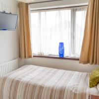 NEC Birmingham Airport Cosy single with TV-DVD and Parking