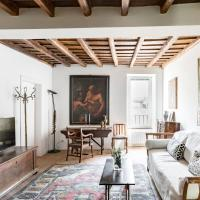 Classic and chic apartment in Trastevere