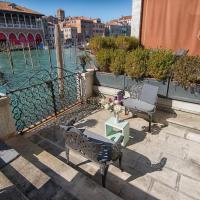 Grimaldi Apartments Hermitage Canal Grande view