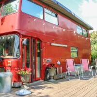 The Red Bus!, NEWNHAM ON SEVERN I, hotel in Flaxley